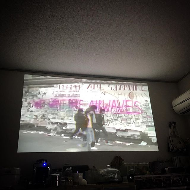 テンション上げてこ〜!🥁 #Ramones #hometheater