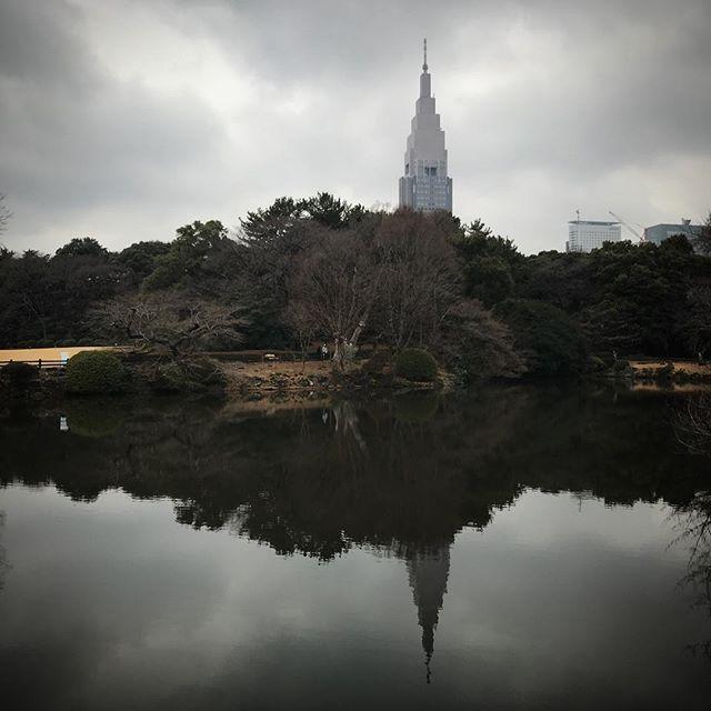 ️️️雨降っちゃったね️ #sky #clouds #shinjuku #shinjukugyoen  #tokyo #新宿御苑 #空 #雲 #ソラ