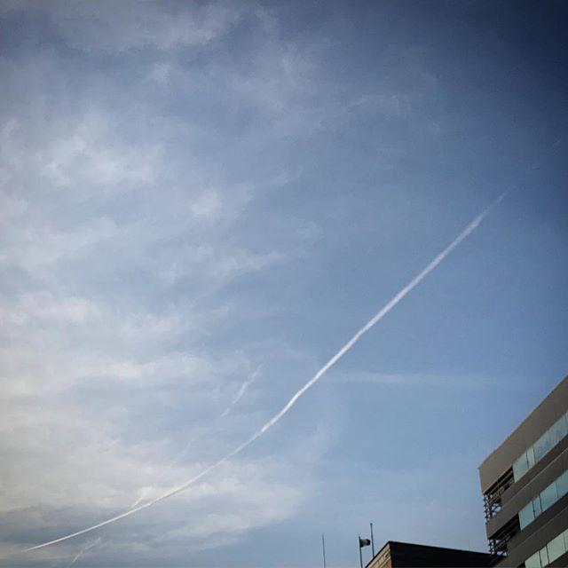 ️️ぴょるるるる〜️️ #sky #clouds #shinjuku  #tokyo #空 #雲 #ソラ
