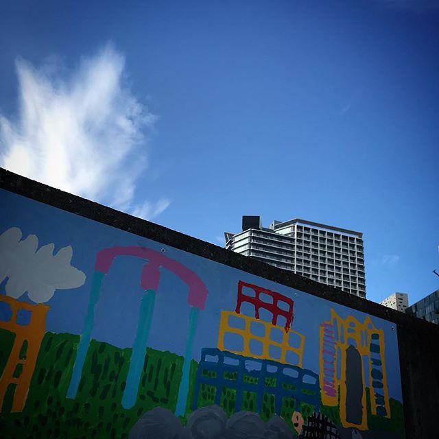 ️️️ #sky #clouds #wall #wallpainting #shinjuku  #tokyo #新宿 #空 #雲 #ソラ