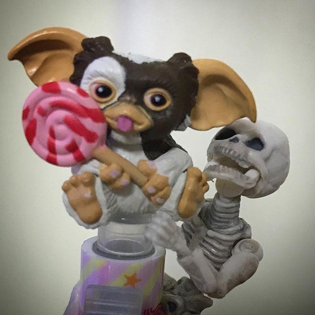 飴ちゃんちょ〜だい☠️ #Gizmo #Mogwai #Gremlins #poseskeleton #skeleton #ギズモ #モグワイ #グレムリン #謎生物 #ポーズスケルトン #リーメント