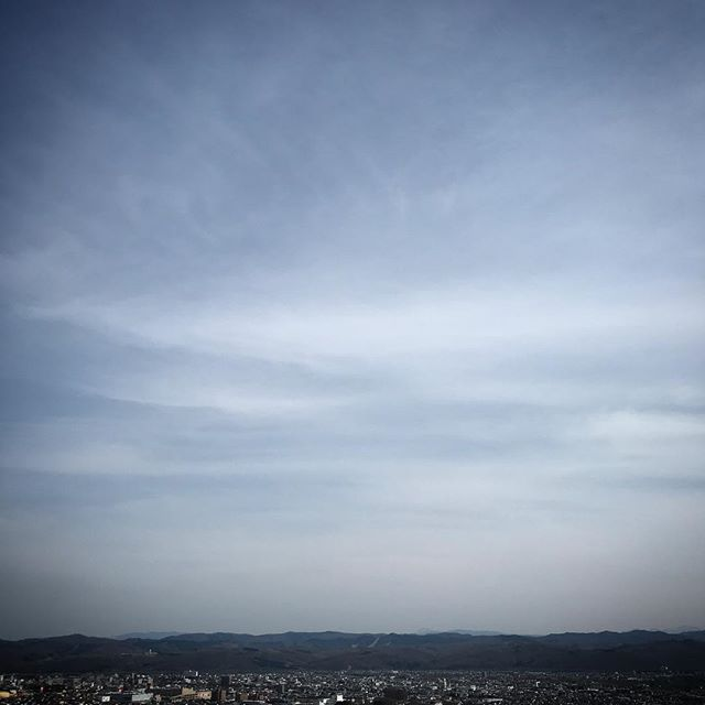 高台は気持ち良い〜️️️ #sky #clouds #hokkaido #北海道 #空 #雲 #ソラ #イマソラ #おさんぽ