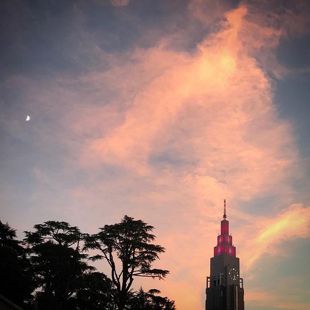 ️️️いつかの夕焼け #sky #clouds #sunset #shinjuku  #tokyo #空 #雲 #ソラ #ゆうやけ