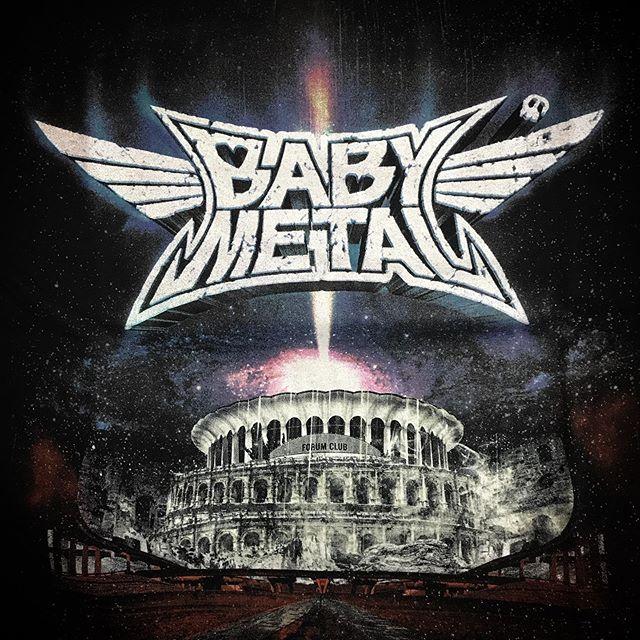 わ〜いTシャツ買えた〜Sだけどなんか大き目🦊アメリカンサイズ?週末がめっちゃ楽しみDEATH!☠️ @babymetal_official  @theforum BABYMETAL 「LIVE AT THE FORUM」 DELAY VIEWING #babymetal #Forum #metalgalaxy